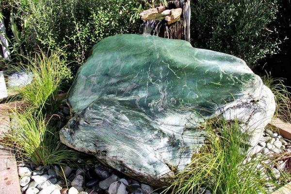 Нефрит для сада камней
